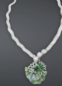 archi_dior_collection_emerald_necklace