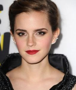 emma_watson_ear_cuff_diamond_jewelry_trends_spring_2015_1