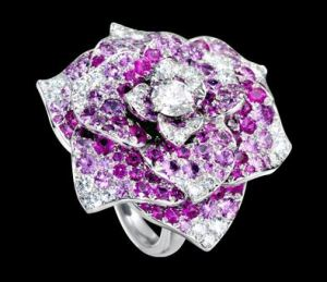 piaget_rose_collection_rose_amethyst_ring