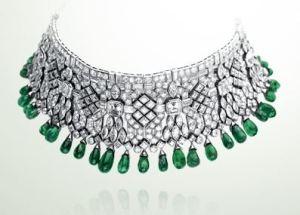 van_cleef_arpels_indian_collection_necklace_diamonds_emerald